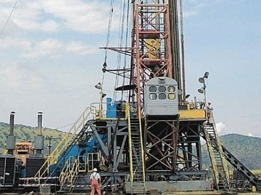 Oil Well Licence Set to ExpireKAMPALA, Uganda, September 11, 2010 (Daily Monitor) — The government could take back a major oil field in western Uganda if the exploration licence over it, which expires today, is not renewed. Block 1, in which Heritage Oil Uganda had a 50 per cent stake with Tullow Oil Uganda holding the same size, has some of the largest oil fields that have been discovered near Lake Albert.